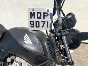 Guarda da Serra flagra moto com placa adulterada e drogas