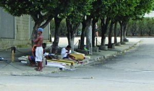 Prefeitura abre turma de Educação de Jovens e Adultos para pessoas em situação de rua