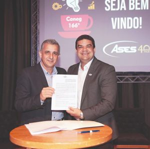Sebrae firma parceria com associação de empresários da cidade