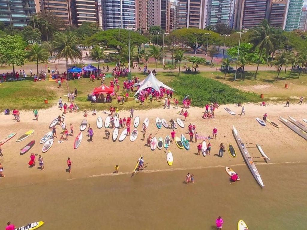 Remadores vão colorir Baía de Vitória em apoio ao Outubro Rosa