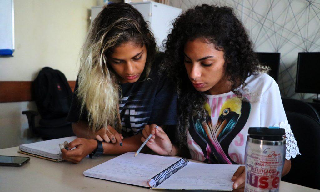 Inscrições abertas para mais de mil vagas de cursos gratuitos na Serra