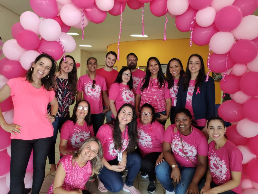 Outubro Rosa na Serra com ações educativas, agendamentos de preventivo e mamografia