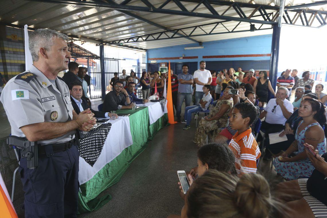 Prefeitura vai procurar MEC para esclarecer dúvidas sobre adesão a escola militar